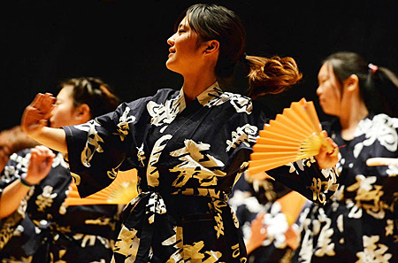 Cabaret-Japanese-Dancers_newsblog
