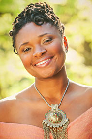A headshot of singer LIzz Wright