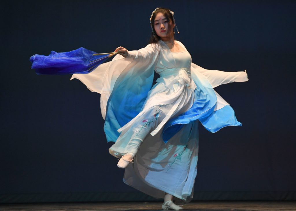 A performance of Tong Que Fu at 2018 Cabaret.